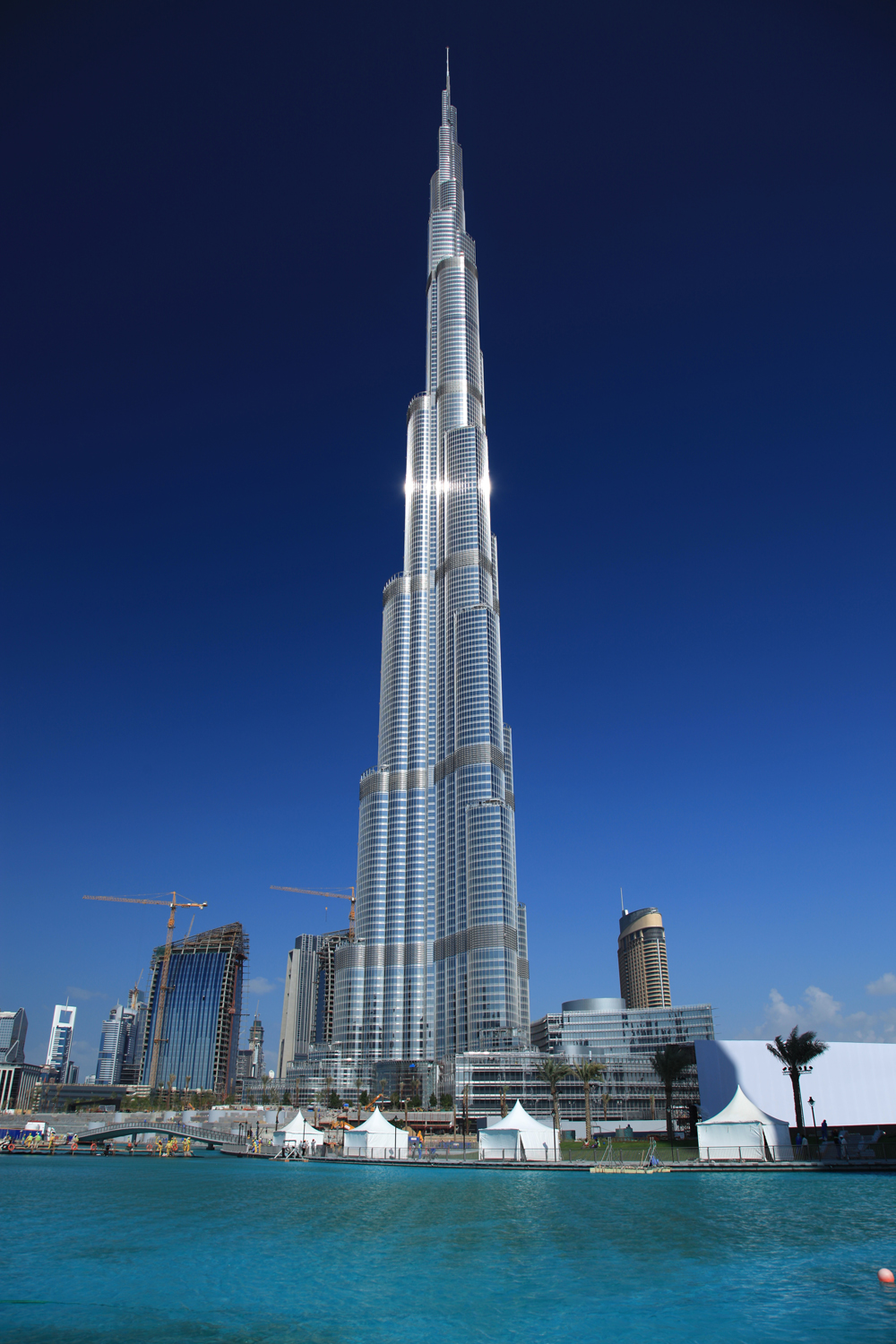 Travelog first armani hotel to open in burj dubai burj for Dubai hotels near burj khalifa