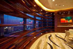 Sky Lobbies located on Level 43, 76, and 123 of Burj Khalifa, the world's tallest building