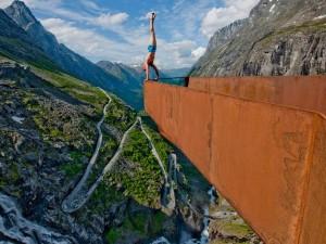 Balancing artist Eskil Ronningsbakken