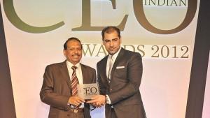 EMKE Lulu Group Managing Director Yusuffali M.A. receives the award from ITP Group Executive Managing Director Karam Awad in Dubai.
